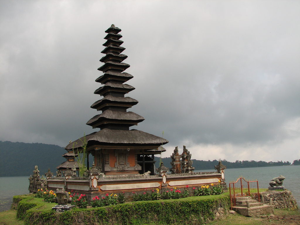 Ulun Danu Temple - Lake Bratan